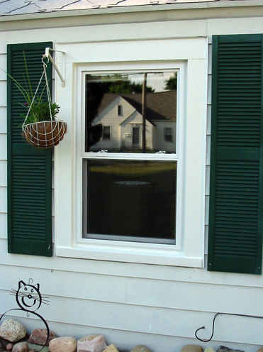 New energy efficient double hung replacement windows for homes and residence in Grand Rapids.