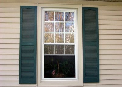 Double hung energy efficient replacement windows for homes and residence in Grand Rapids.